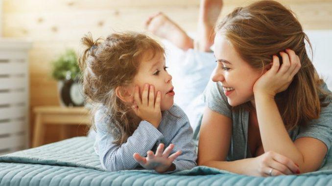 çocuk iletişimi, çocuklar ile sağlıklı iletişim, çocuklarla nasıl iletişim kurulmalı